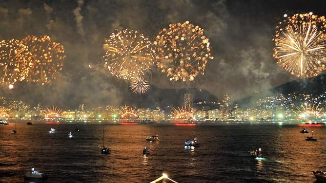 Festa de Réveillon no Barco - Sua melhor opção para Copacabana.