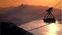 Fantasma Boat leva você para conhecer os melhores pontos turísticos como o Corcovadono RJ.