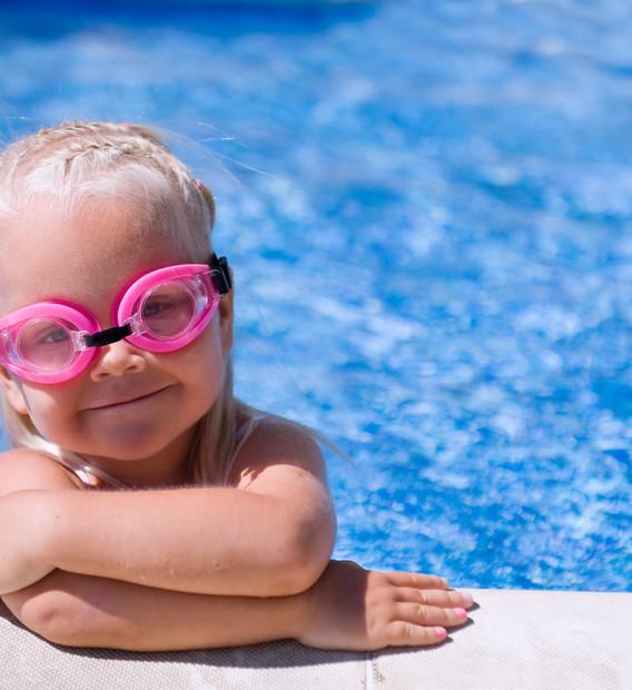 baby swimming 4.jpg