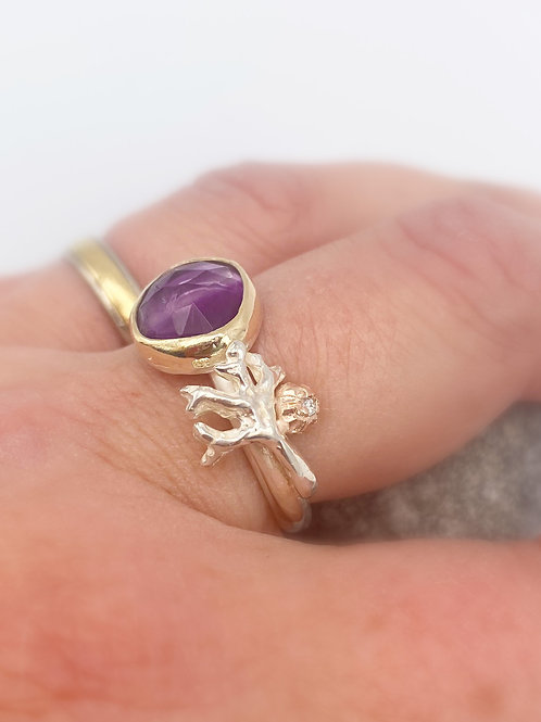 Rockpool Wow ring with Flourite and diamond. Size O