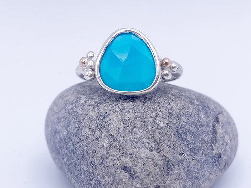 Turquoise Seafoam Wow ring with gold accents. SizeR