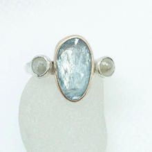 Bespoke Aquamarine and diamond ring