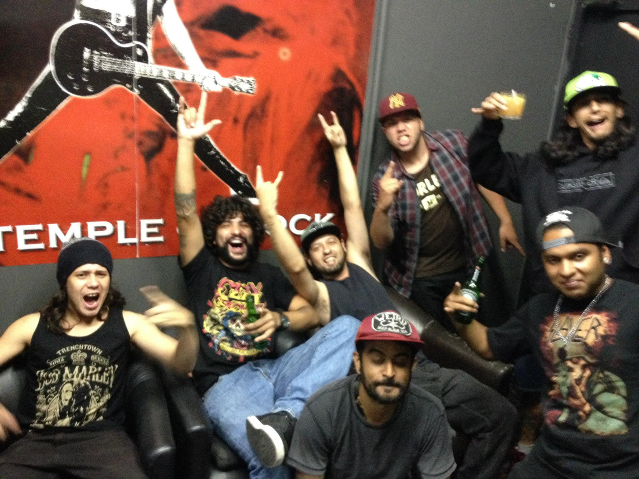 UNIDADE ARMADA Manifesto Rock Bar