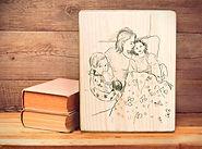 איור לפי צילום על גבי בלוק עץ