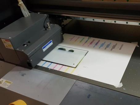 הדפסה על גבי זכוכית