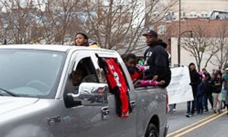 Durham-Holiday-Parade-2018-_edited.jpg