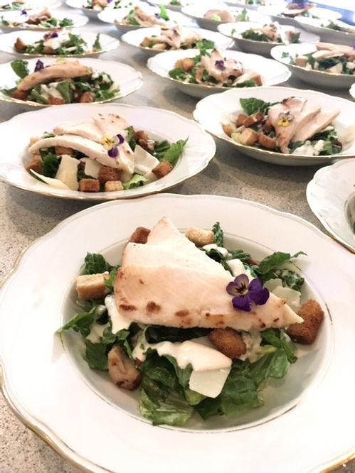 Let anrettet frokost tallerken der giver ny energi og kreativitet til dagsmøder på Lille Restrup Hovedgaard