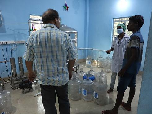 Carmine formant une équipe aux Sundarbans2.JPG