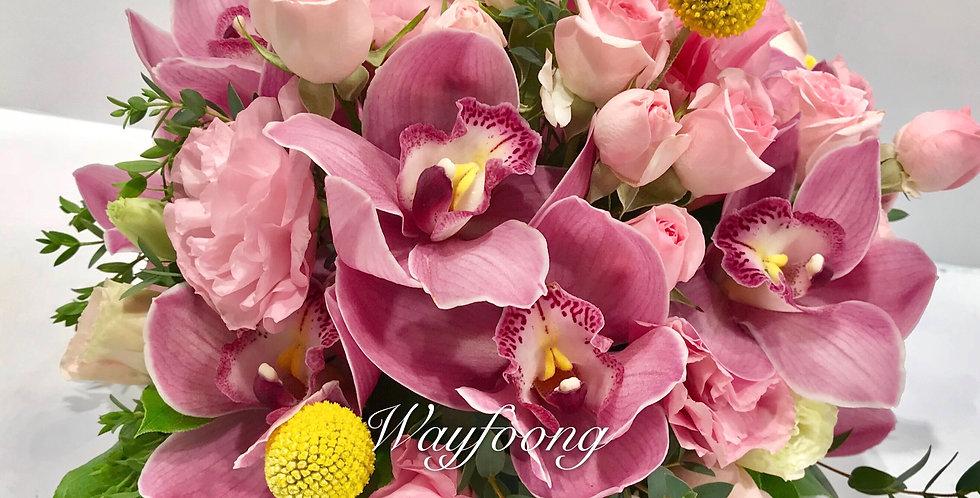 蕙蘭玫瑰桔梗枱花