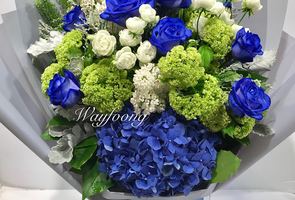 SHADOW OF THE MOON 藍玫瑰花束