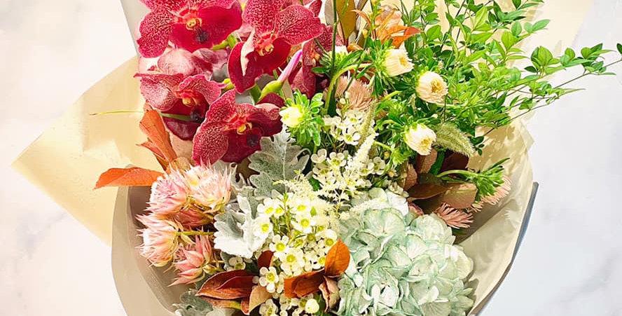 稀有萬代蘭繡球花束