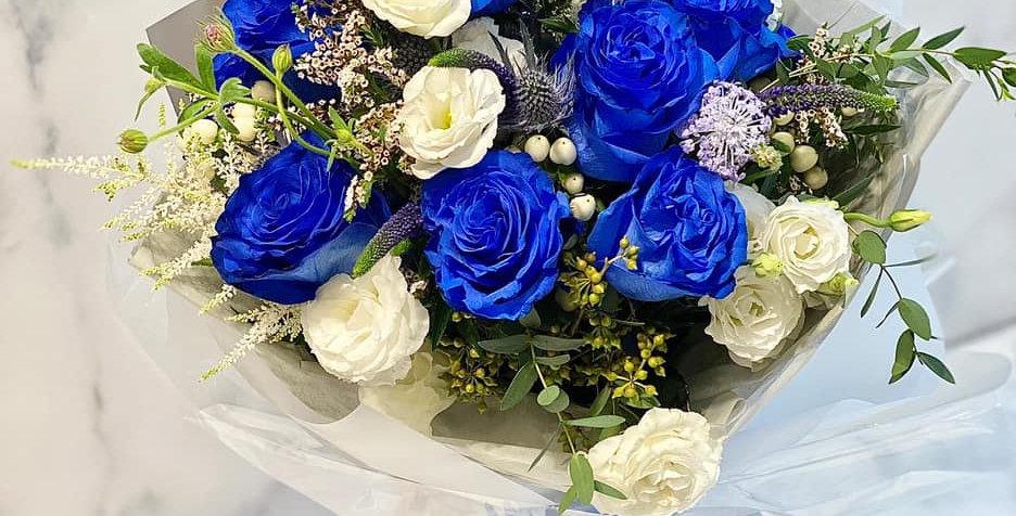 藍色玫瑰花束