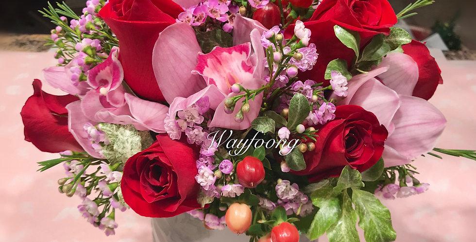 玫瑰萬代蘭枱花