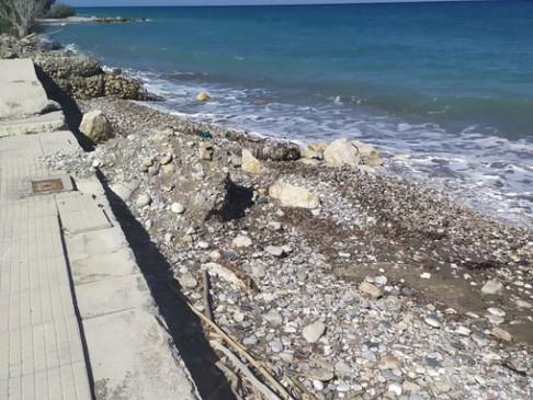 Επιδεινώθηκε το πρόβλημα διάβρωσης της παραλίας Σορωνής