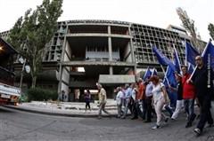 Πάτρα: Το «κουφάρι» διχάζει τους αρχιτέκτονες - Να γκρεμιστεί ή όχι το Κτίριο Υπηρεσιών Λιμένα;