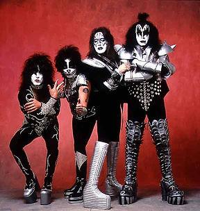 kiss1981.jpg