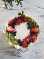 Fruit cream cake