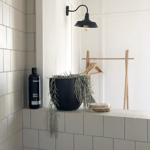 twowinds_bathroom