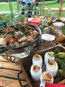 キャンプの豪華な料理