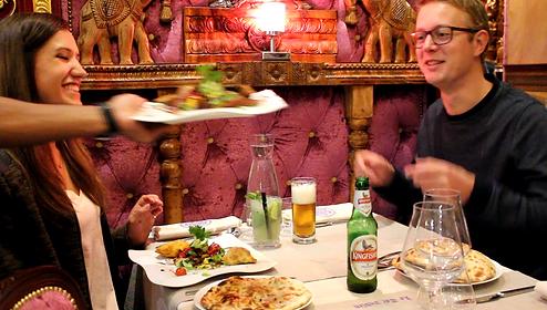 Le Taj Indien - Service à table