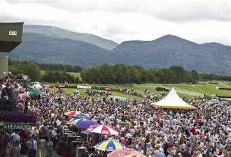 Killarney - Ireland's most scenic racecourse