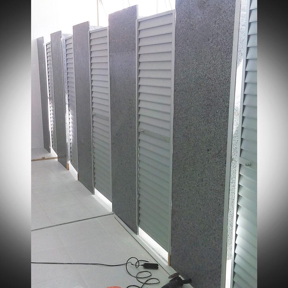 Portas de Banheiros em Alumínio