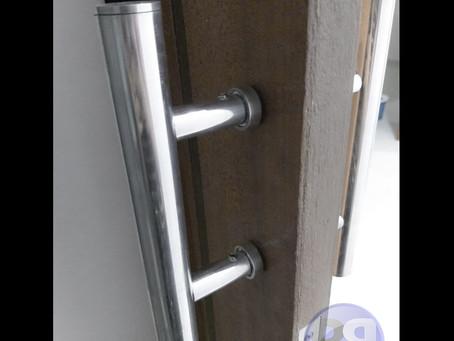 Puxadores para portas de banheiro