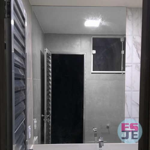 Instalação de Espelho e Báscula de banheiro
