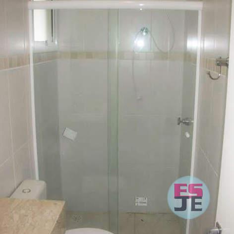 Box de banheiro vidro incolor - Praia de Camburi - Vitória/ES