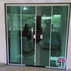 Instalação de Porta de Vidro verde 04 folhas em Vila Prudencio - Cariacica/ES