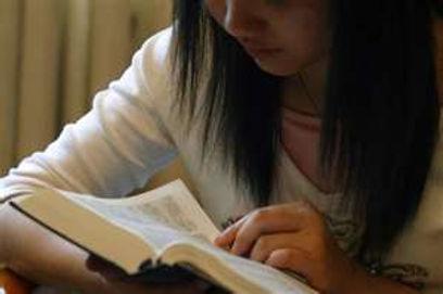 woman reading bible (2016_12_31 14_42_23