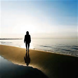 silhouette of woman on beach (2016_12_31