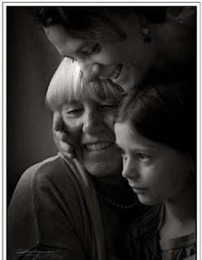3 women bl & wh.jpg