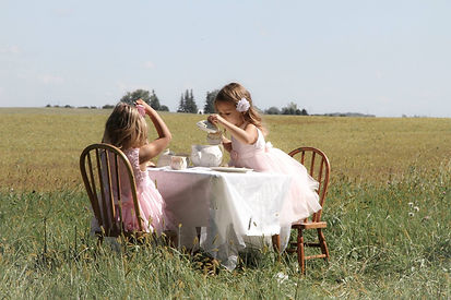 Kate & Leah at table (2016_12_31 14_42_2