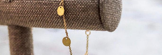 Dainty Gold Dangle Bracelet