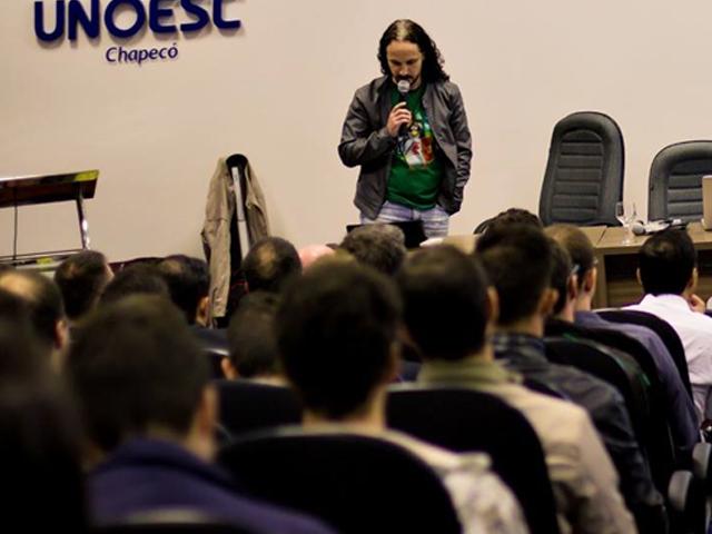 Juliomar é programador na ControlSoft e moderador do projeto ACBR