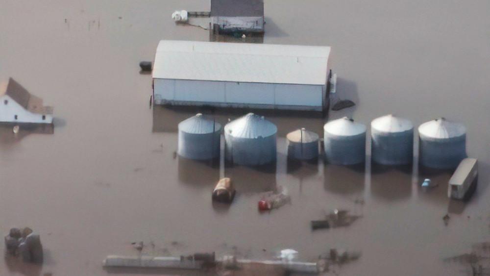 Silos alagados em Iowa - Imagem coletada no site Successful Farming