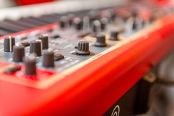 Nord Stage 2 orangan-piano-synth