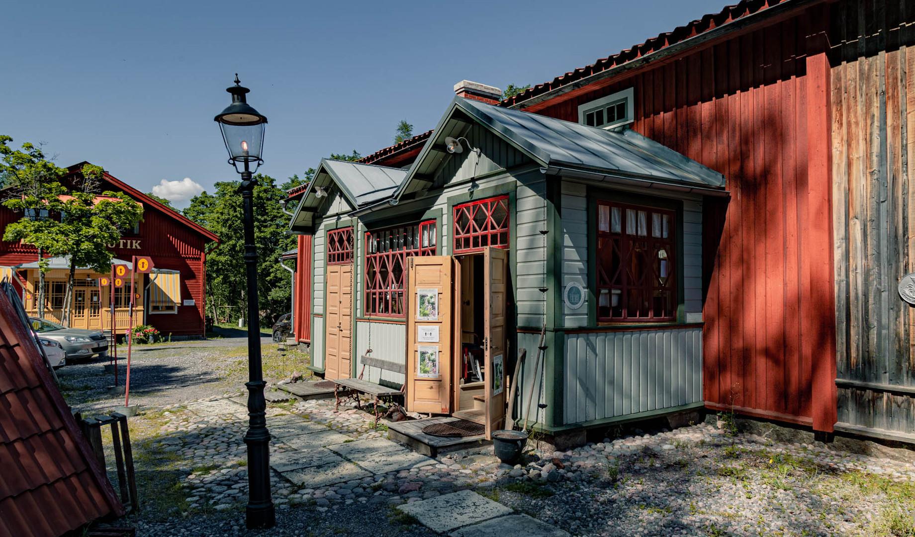Mikola antiikkikauppa--8.jpg