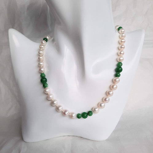 Freshwater Round Pearl Necklace and Dark Green Jade