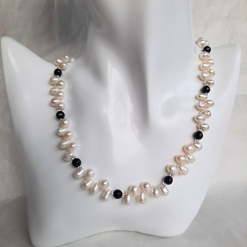 Freshwater Top-drilled Pearls Necklace - White