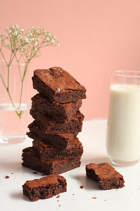 Gluten free brownie is made out of finest Belgian chocolate which is very chocolaty and ideal with coffee or tea