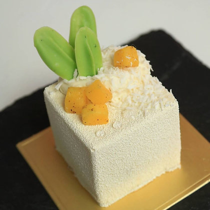 Tropical Petit gateau with marinated mango