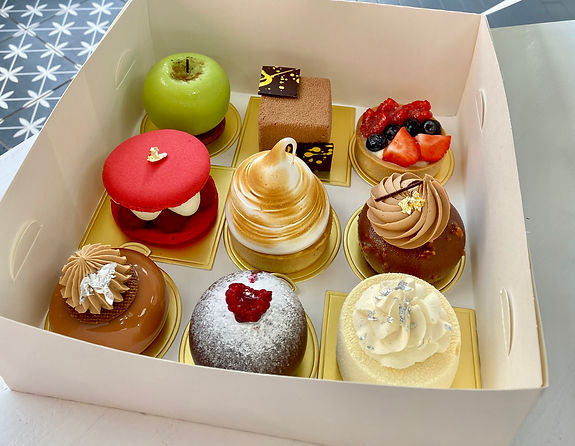selection cake box for delivery.jpg