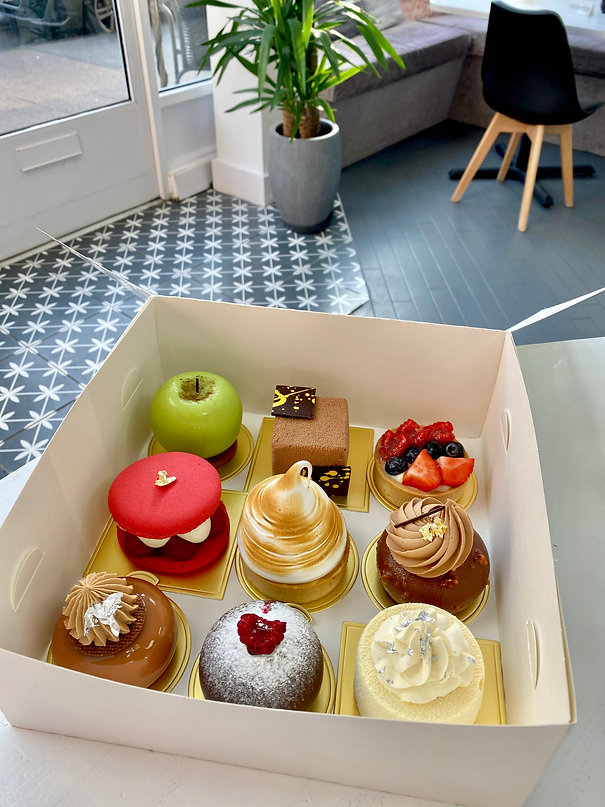 cake box for delivery.jpg