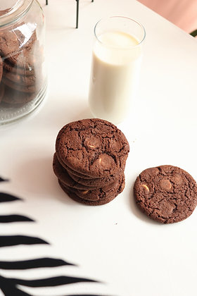 Tripple chocolate cookies made out of finest belgian chocolate, perfect with milk or coffee