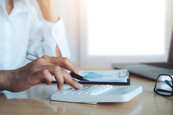 finances-saveing-economy-concept-female-