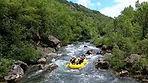 Uživajte u mnogim aktivnostima i prirodnim ljepotama na rijeci Cetini...