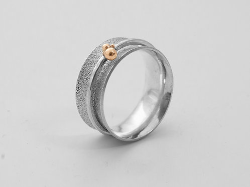 Textured Spinner Ring with Gold