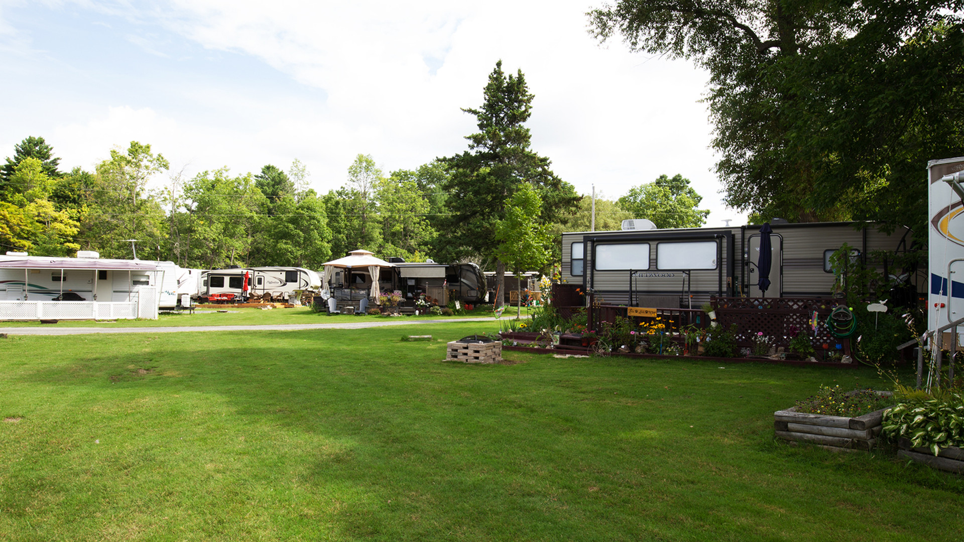 Sand Lake Campground - Cottages and Camp